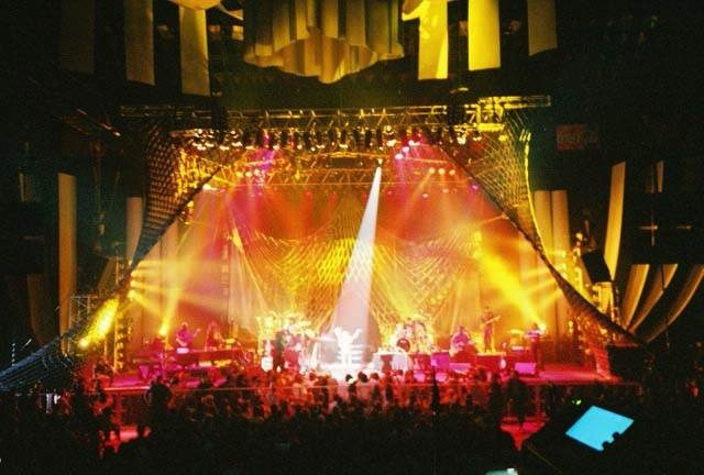 Shakira World Tour – 2000